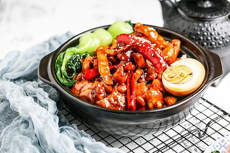 中式三杯鸡煲仔饭图片
