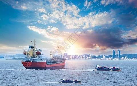 大海上的轮船图片