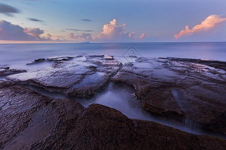 涠洲岛海边礁石高清图片