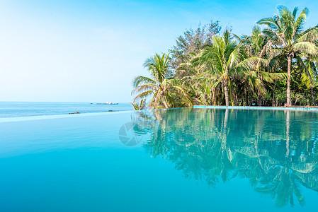 海南三亚酒店泳池图片