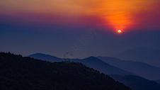 香港阳明山山顶夕阳图片