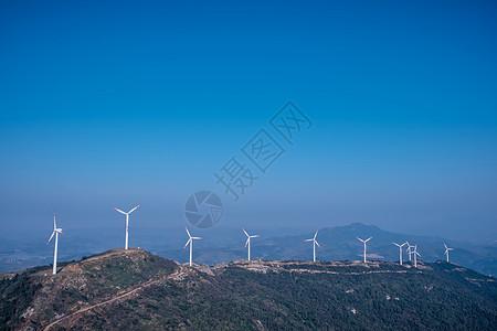 山峦叠嶂风车风电场风景图片