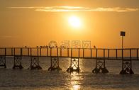 黄昏沙滩图片