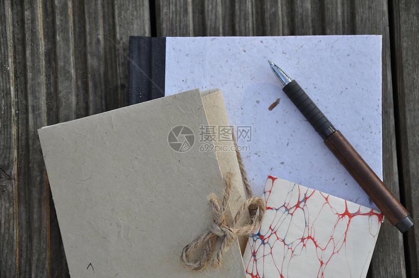 笔记本与笔图片