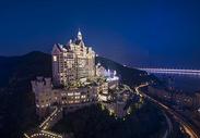 现代城市大连一方城堡夜景图片