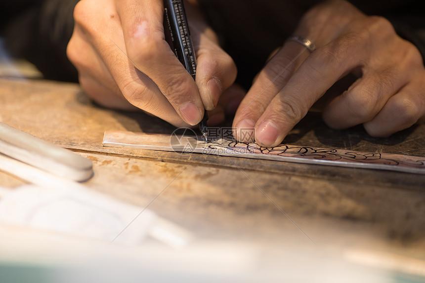 匠人匠心雕刻图片