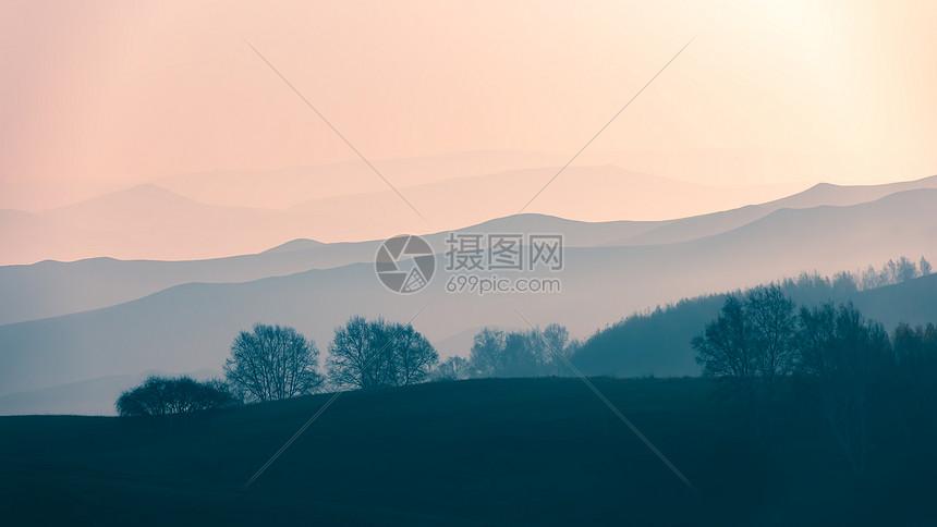 内蒙古坝上草原晨光图片