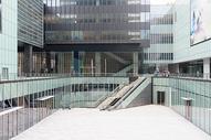 商务楼写字楼下沉广场图片