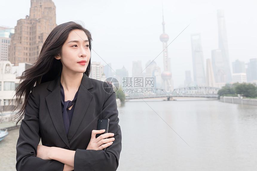 城市商务女性形象图片