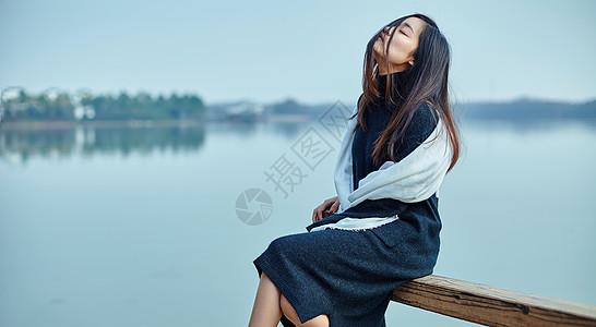 气质女性写真图片