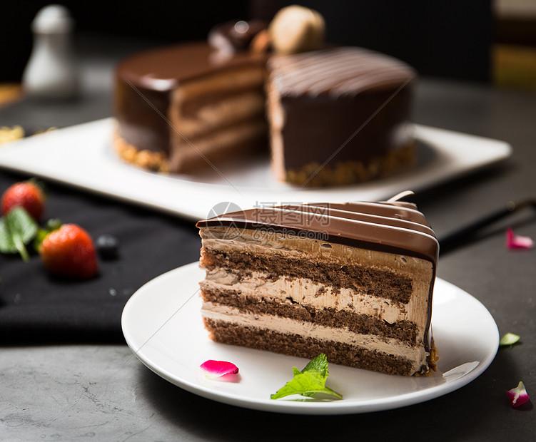 巧克力千层蛋糕图片