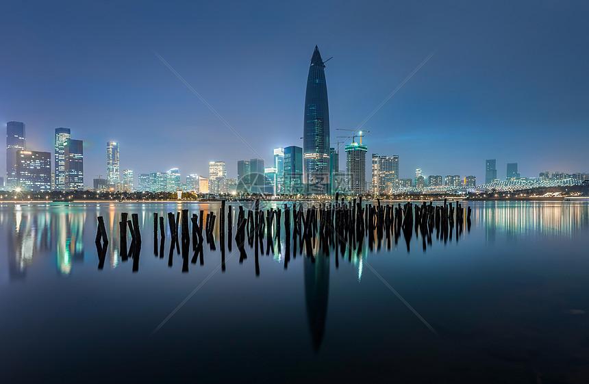 深圳人才公园的夜景图片