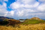 山顶风电场图片
