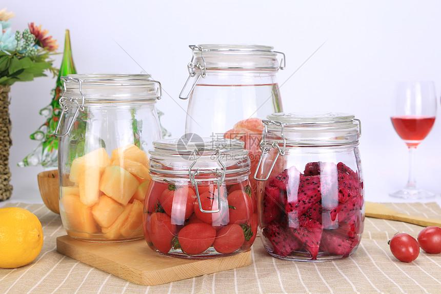 罐装水果图片