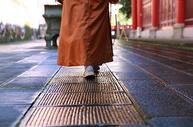 僧人的禅意生活图片