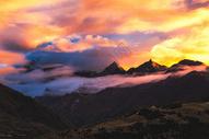 四姑娘雪山火烧云图片