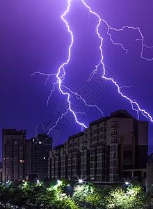 城市闪电图片