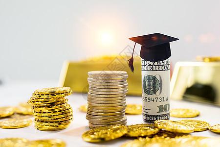 学士帽与钱币图片