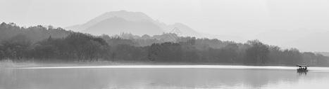 如水墨山水画的西湖图片