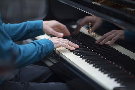 乐器钢琴图片