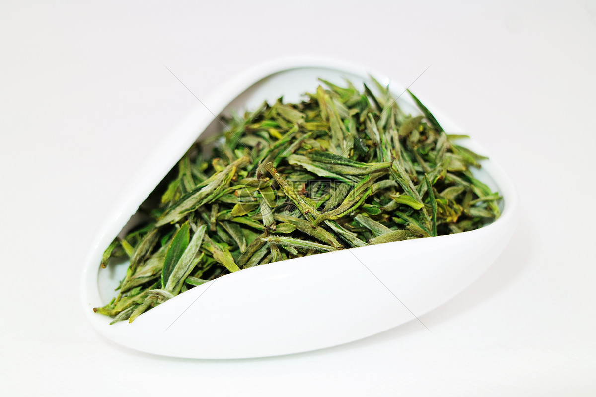 白茶银针和白牡丹