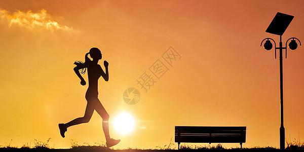 夕阳跑步图片