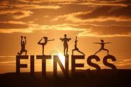 日落阳光下健身瑜伽图片