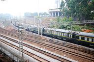 火车 铁轨 绿皮火车 和谐号 高铁图片