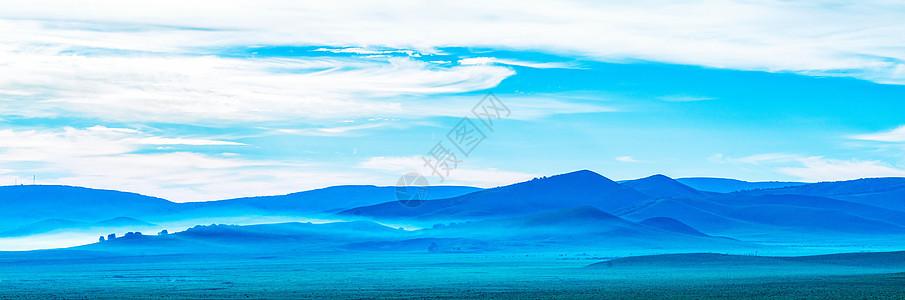 云雾笼罩图片