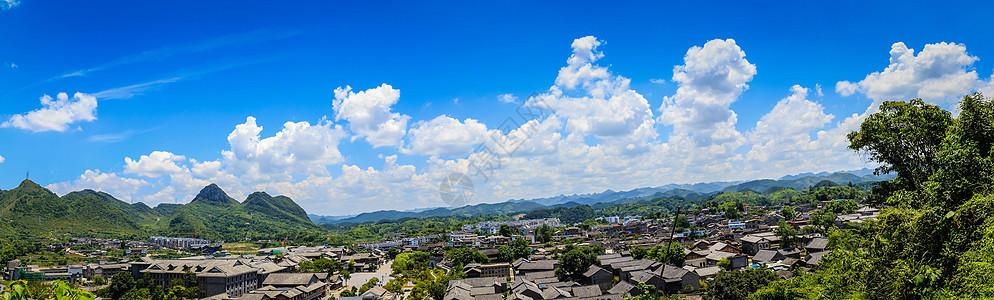 青岩古镇的全景蓝天白云图片