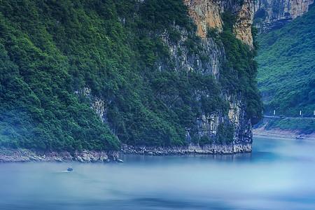 晨雾三峡图片