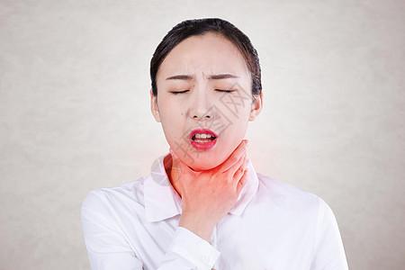感冒喉咙疼的女性图片