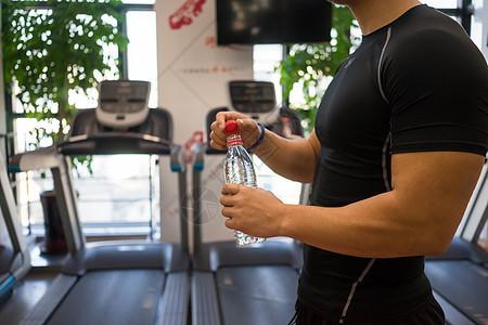 健身房运动放松休息图片