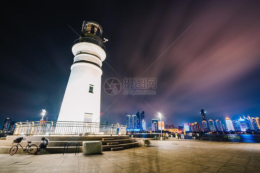 青岛灯塔夜景