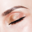 眼部彩妆图片