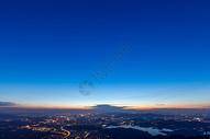 城市夜幕降临图片