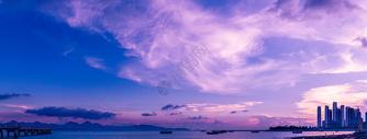 晚霞中的海湾图片
