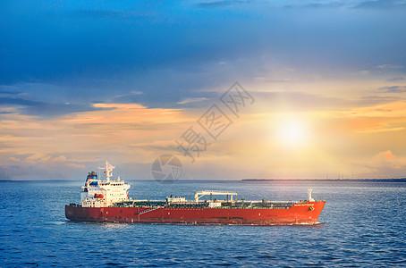 海上贸易油轮运输图片