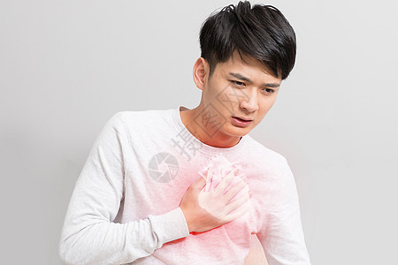 患心脏病的男士图片