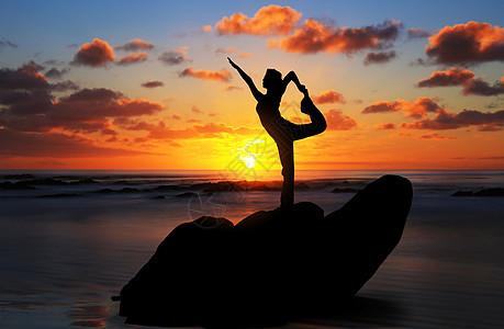 晨练瑜伽图片