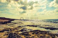 俯拍的海洋海滩图片