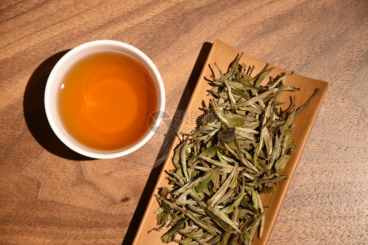 白茶适合什么季节喝_白茶知识