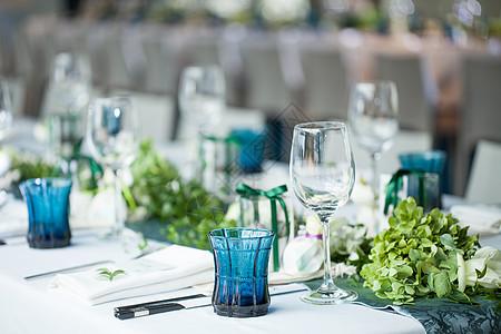 小清新婚礼餐桌布置图片