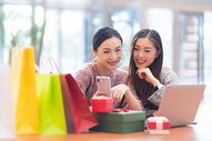 女性商业中心购物500731546图片