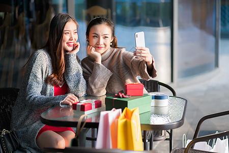 女性商业中心购物高清图片