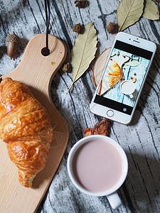 营养早餐与手机图片