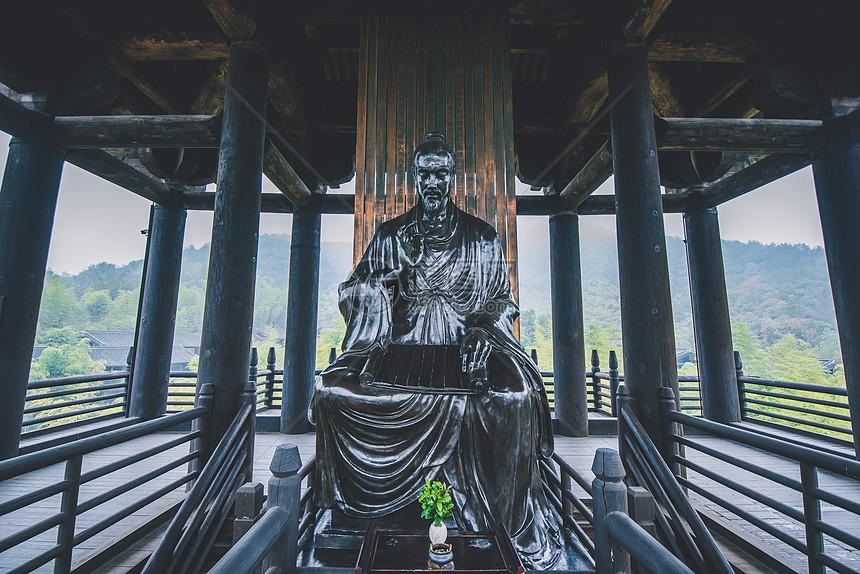 大唐贡茶院的陆羽雕塑图片