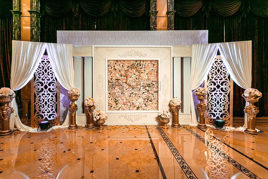 欧式婚礼合影背景墙图片