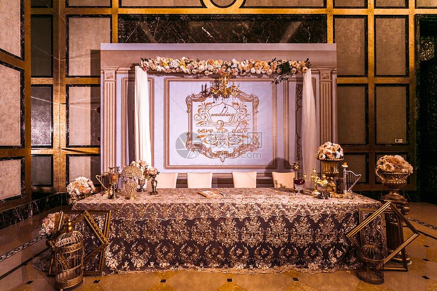 欧式婚礼签到台图片