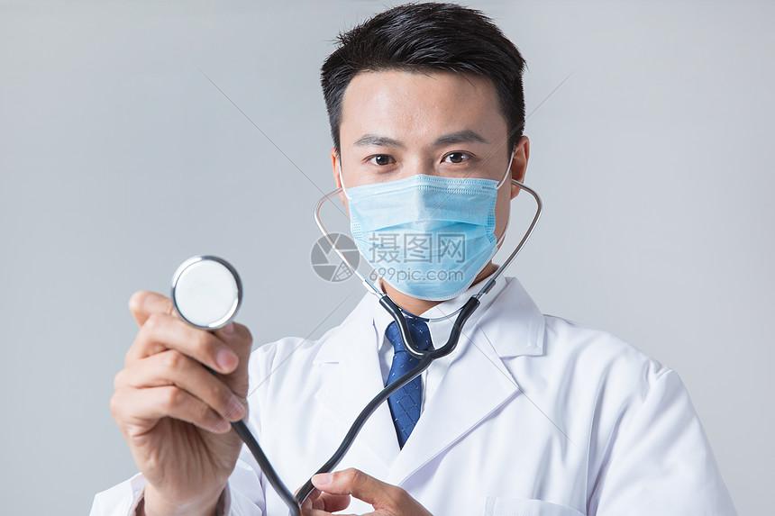 医生用听诊器会诊图片